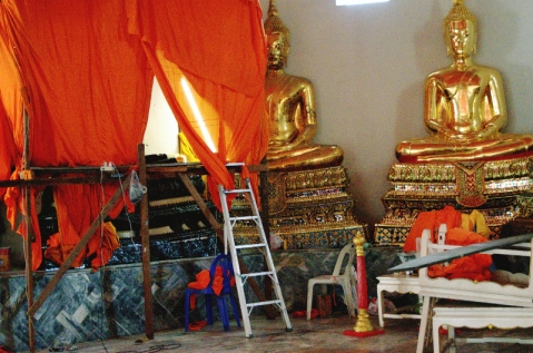 Maintenance at Wat Pho