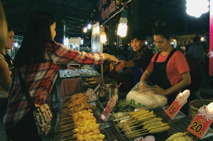 Srinakarin Road, Srinakarin market, Bangkok, Thailand, Travel, Night, Night market, Street food, street market